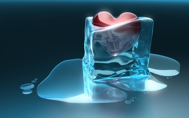 coração dentro do cubo de gelo